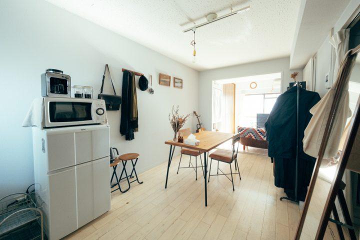 住空間を香りとクラフトなアイテムで創作する、1DK一人暮らしのインテリア