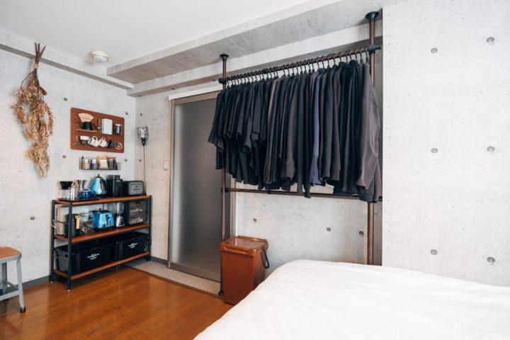 家具、家電等の大きいものは出来るだけ空間に凹凸が出ないよう壁面に沿うように設置