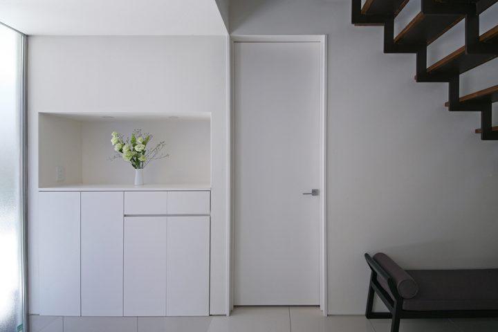 子供部屋のおしゃれなドアの色