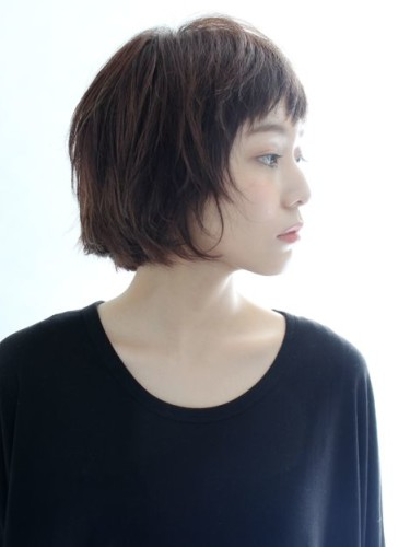 大人女子向けの短め前髪×ボブ15