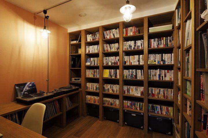 ワークスペースは家族の図書館