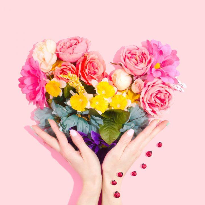 結婚祝いにおすすめの花言葉《愛》