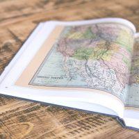 海外旅行にガイドブックを持っていくなら?観光に大活躍のおすすめ雑誌まとめ