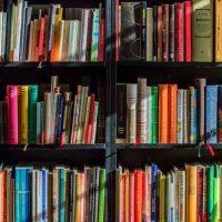 本を捨てられない人に教える断捨離方法。選び方から捨て方までコツをご紹介