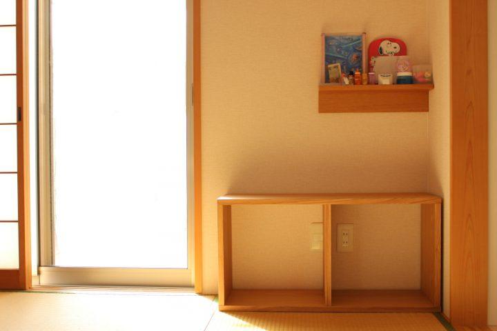 リビング横の和室に、横向きで設置