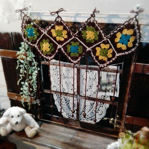 モチーフ編みをつなげて作るのれんの編み方