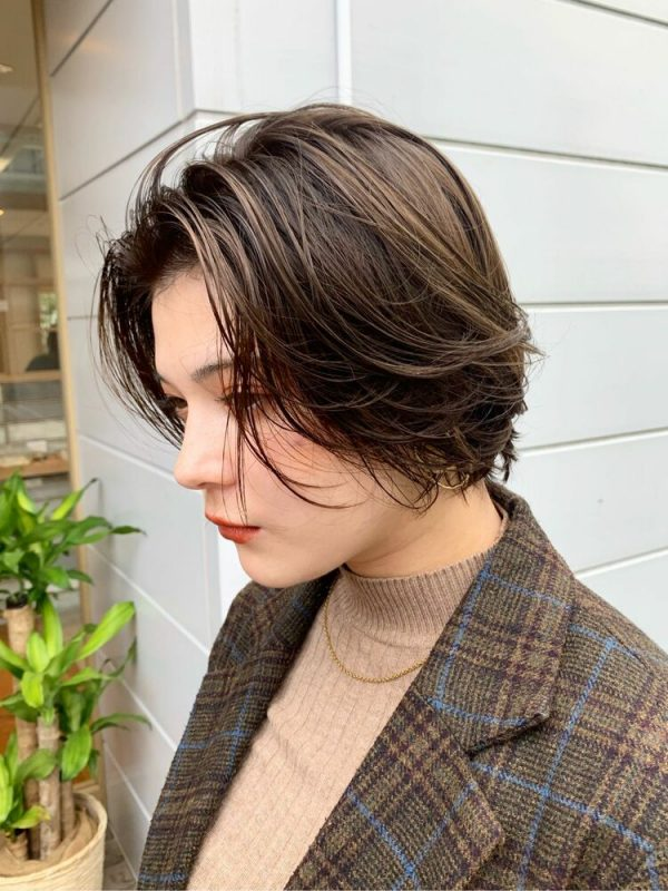 おしゃれショート×オリーブベージュの髪色