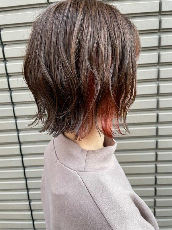 大人可愛いおしゃれなインナーカラーの髪型