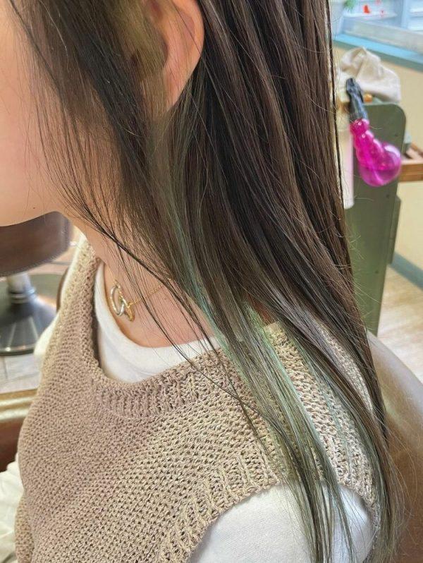イエベ春×リーフグリーンのインナーカラー