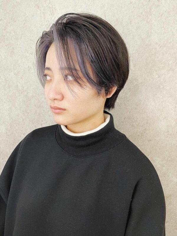 クールな髪型にマッチ!ハイトーンインナーカラー