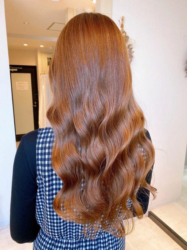 ロング×ダブルカラーライトブラウンの髪色