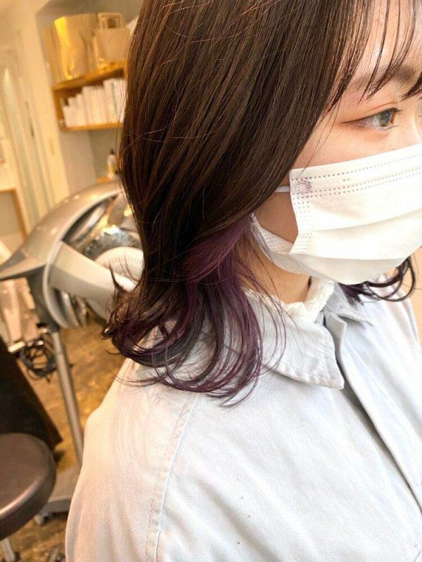 イエベ春×赤みパープルのインナーカラー