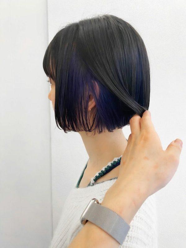 大人にもおすすめ!暗めインナーカラーの髪型