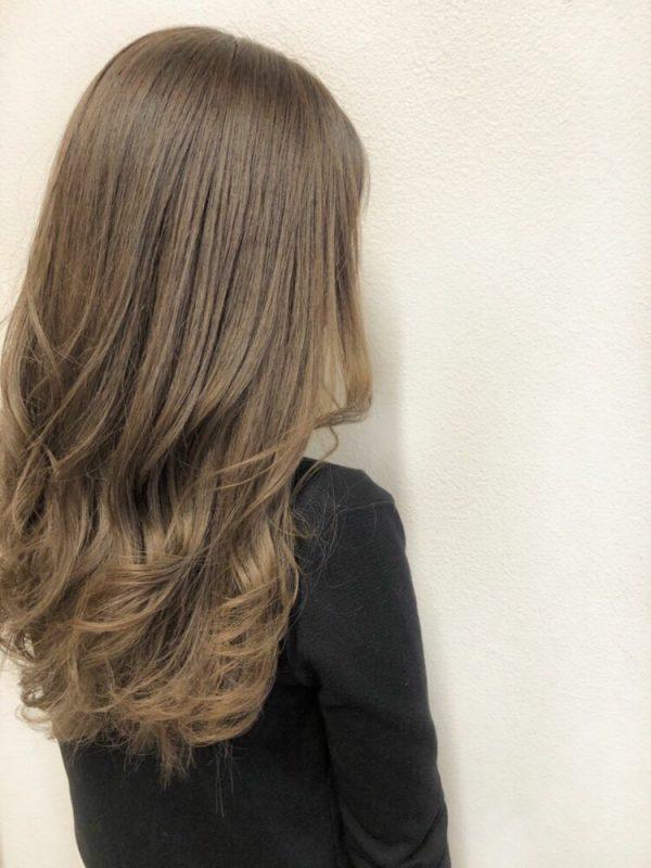 おしゃれな明るめ×オリーブブラウンの髪色