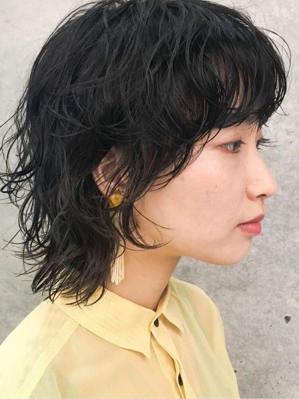 大人女性にも似合うパーママッシュウルフの髪型