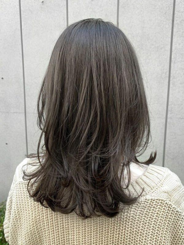おしゃれなロング×オリーブブラウンの髪色