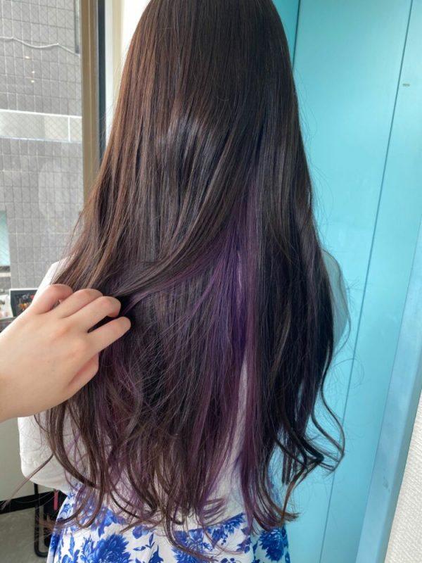 黒髪ロング×バイオレットインナーカラー