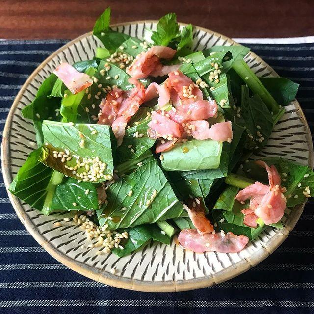 子供に人気の野菜で♪小松菜の生サラダレシピ