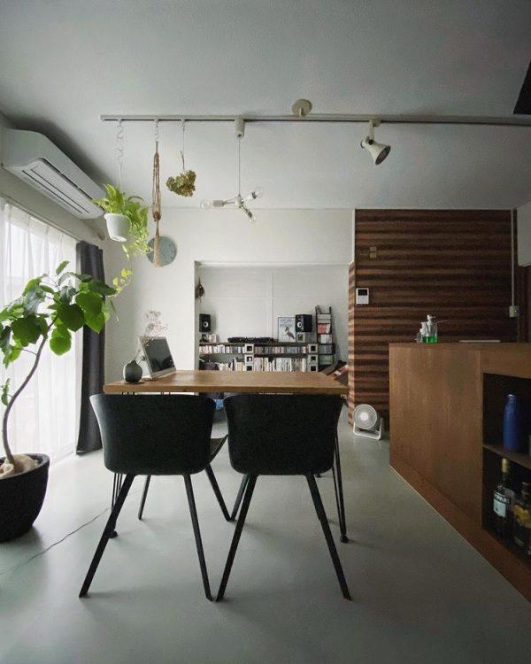 キッチンが窓と並行な横長LDKの例4