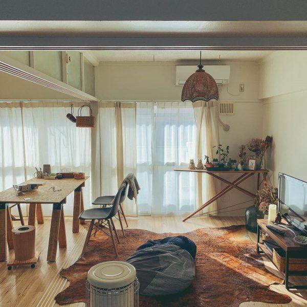 キッチンが壁と並行な横長LDKの例