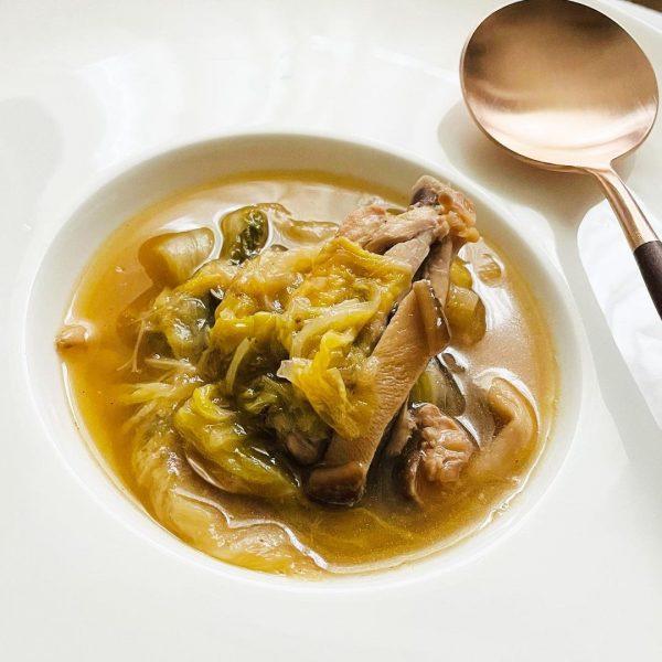コラーゲンたっぷりな白菜スープ