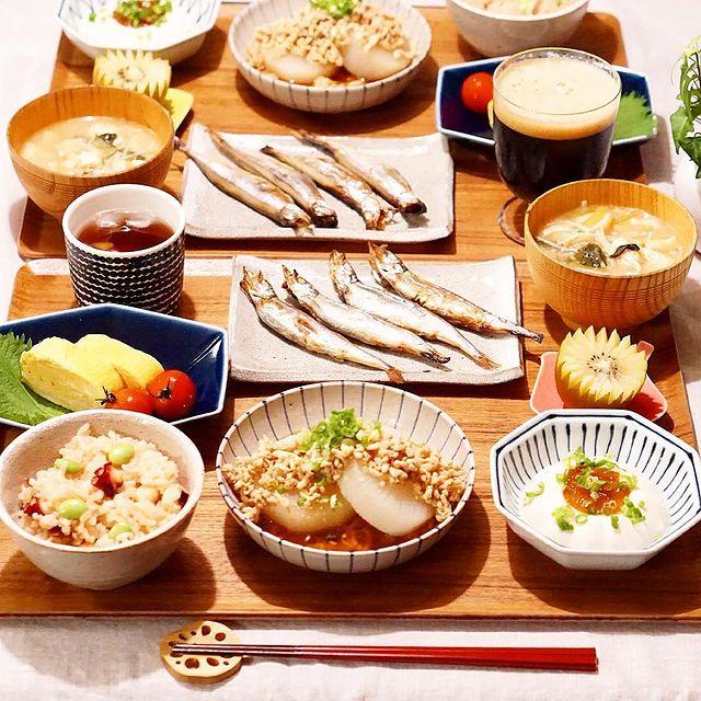 旨み汁物♪小松菜と油揚げのみそ汁レシピ