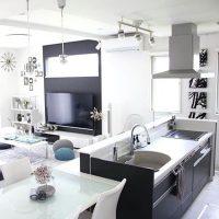 黒いキッチンのインテリア実例集。モダンやナチュラルなどのテイスト別にご紹介