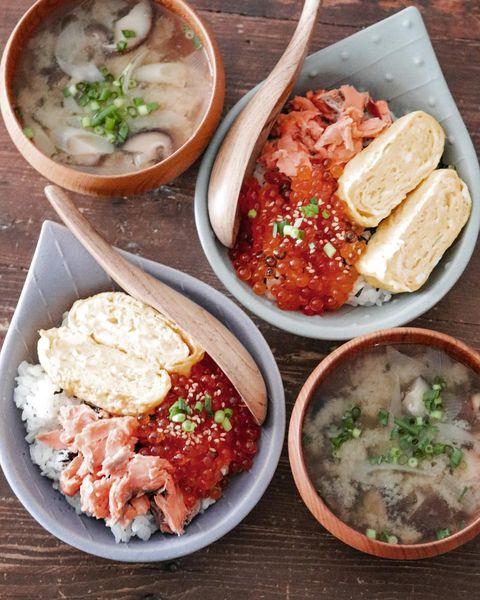 夕飯に簡単丼!鮭といくらの親子丼