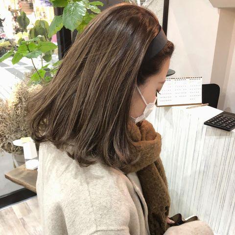 伸ばしかけ前髪のカチューシャアレンジ