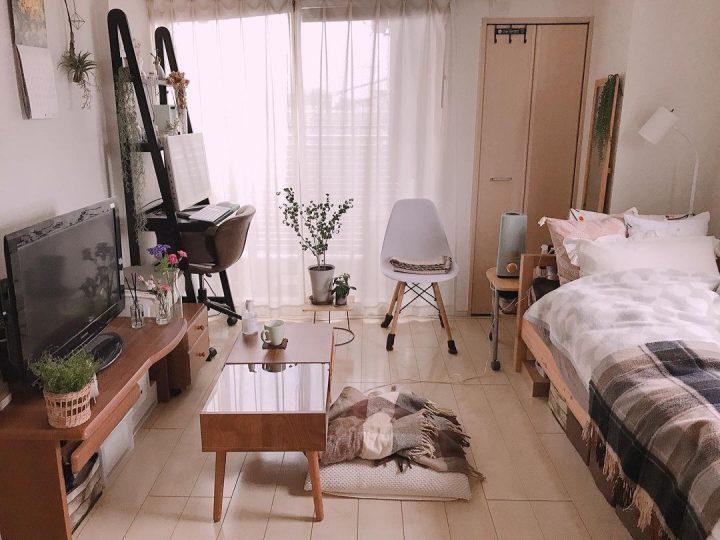 シンプルであたたかさのある、一人暮らし7畳インテリア