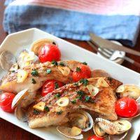 魚介の旨味たっぷり!白身魚とアサリの和風酒蒸しの作り方