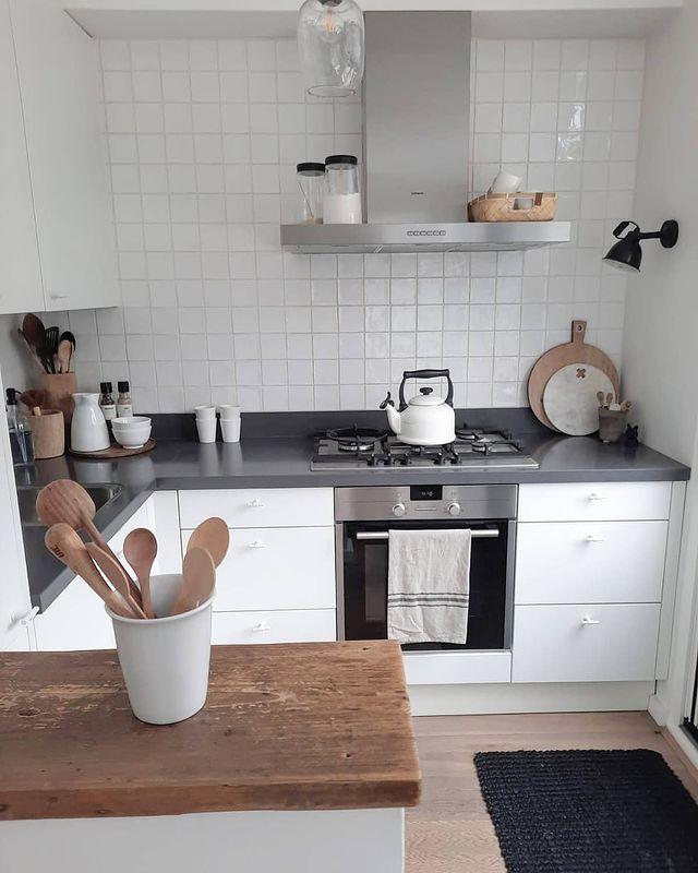 清潔で使い勝手の良いキッチンインテリア