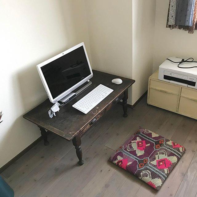 懐かしい座卓のおしゃれな仕事机