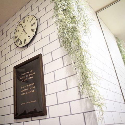 壁掛けフェイクグリーンのおしゃれな飾り方【垂らす】