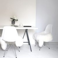 ミニマリストにおすすめしたいテーブル15選。シンプルなお部屋にぴったりのアイテム