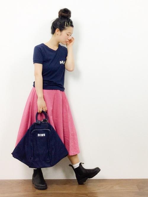 ピンクスカート×レインブーツ