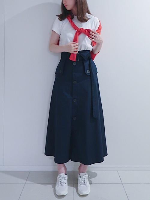赤カーディガン×トレンチスカートの夏コーデ