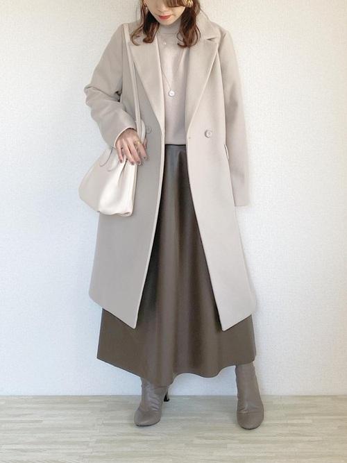 GUベージュニット×茶色スカートの冬コーデ