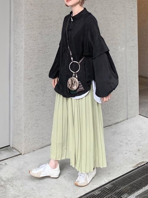 ユニクロのグリーンプリーツスカート