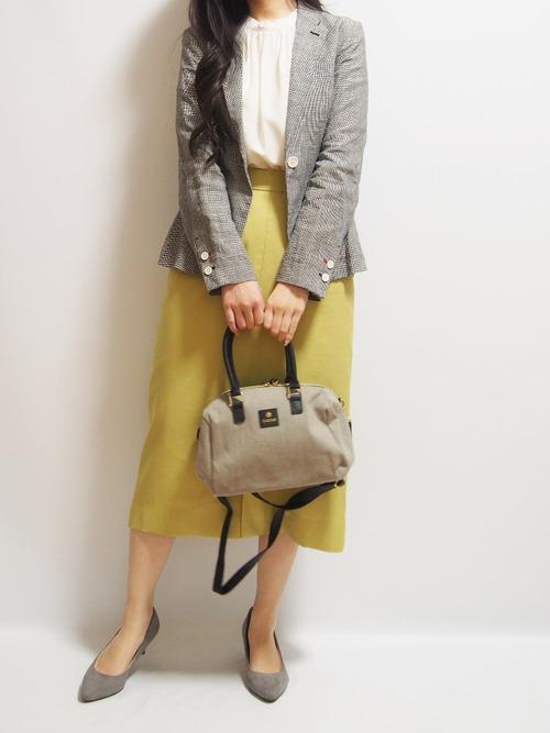 ユニクロジャケット×黄色スカートの人気コーデ