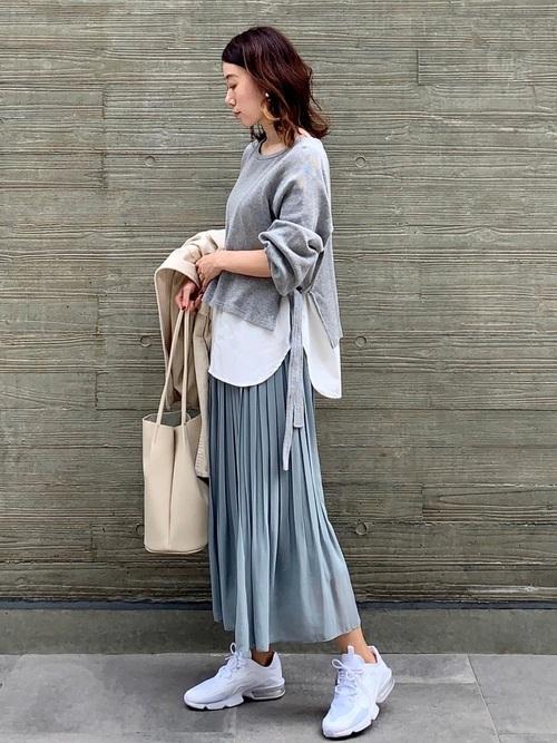 ユニクロのブループリーツスカート