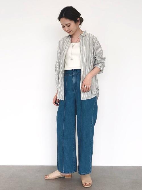 青デニムワイドパンツ×シャツの夏コーデ