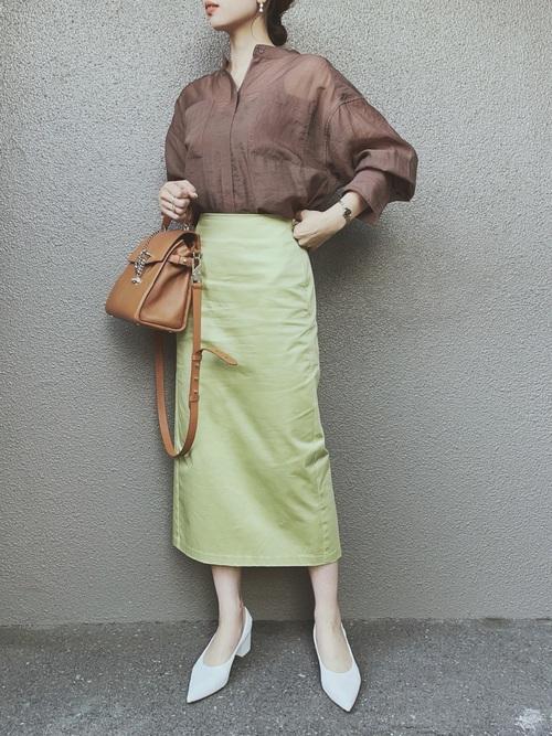 GUのグリーンミディスカート