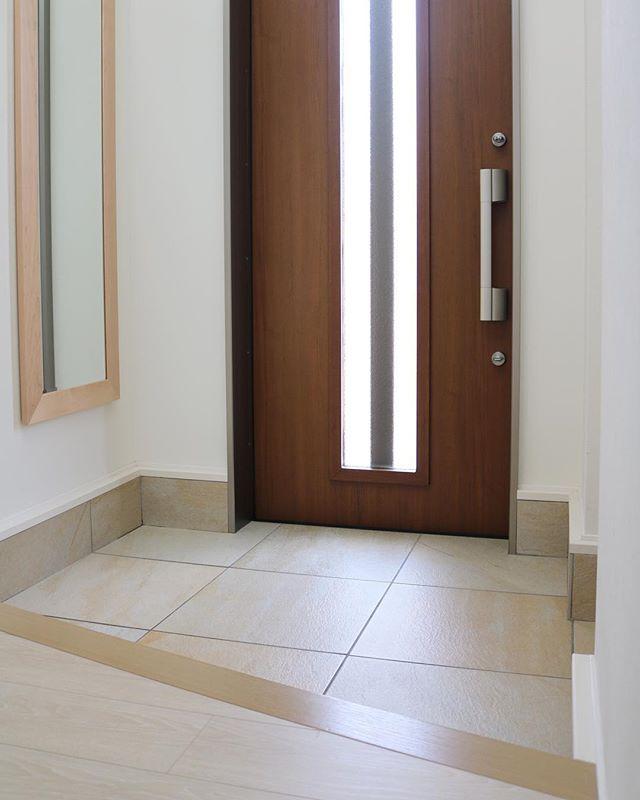 南西の玄関ドアに合ったデザイン