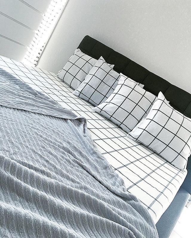グレー ナチュラルインテリア 寝室2
