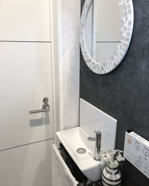 トイレ 鏡