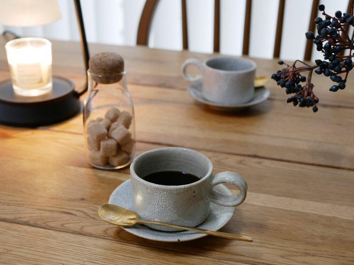 コーヒー椀と丸皿2