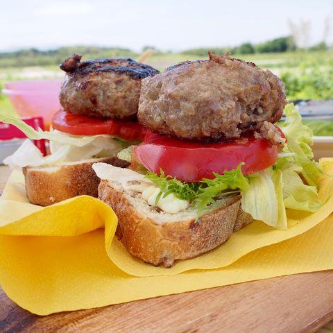 お肉が美味しい♡炭火焼きハンバーガーレシピ