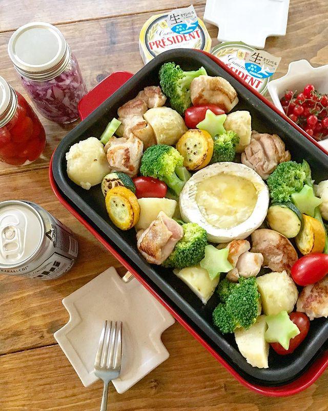 チキンと野菜のカマンベールチーズフォンデュ