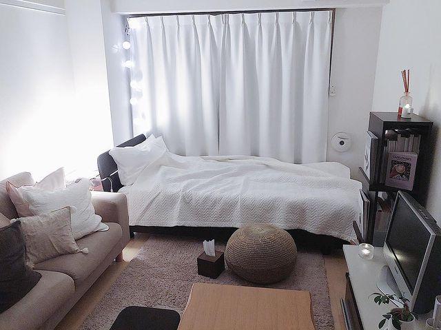 間接照明が特徴の部屋